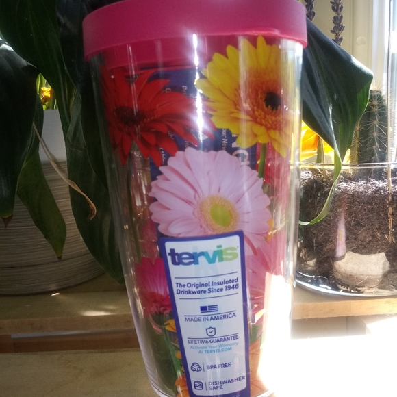 16oz Daisy Tervis Hot & Cold Cup NWT